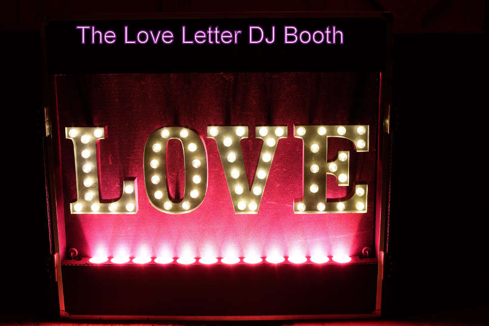 Love Letter DJ Booth - Pink